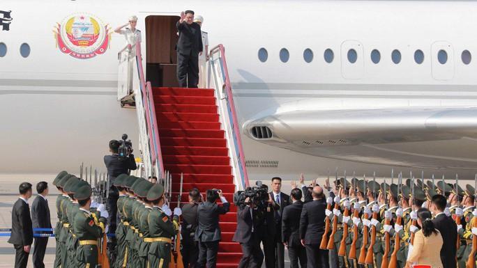 Chiến đấu cơ Trung Quốc hộ tống ông Kim Jong-un đi họp thượng đỉnh? - Ảnh 1.