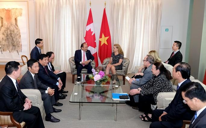 Thủ tướng Nguyễn Xuân Phúc hội kiến Toàn quyền Canada - Ảnh 2.