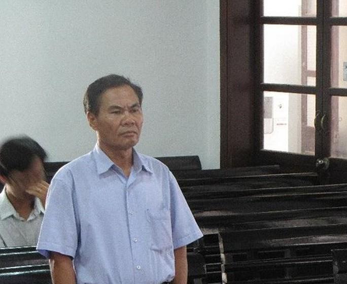 U60 hầu tòa vì liên tiếp vật ngã 2 công an xã - Ảnh 1.