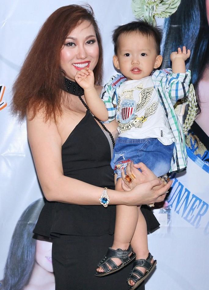 Hé lộ số tiền trợ cấp nuôi con của sao Việt sau ly hôn - Ảnh 6.