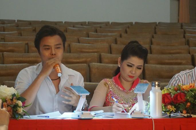 NS Võ Minh Lâm, Hồ Ngọc Trinh ngồi ghế nóng cuộc thi Chuông vàng vọng cổ - Ảnh 2.