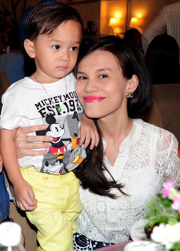 Hé lộ số tiền trợ cấp nuôi con của sao Việt sau ly hôn - Ảnh 7.