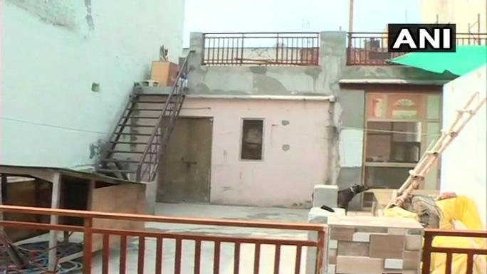 Ấn Độ: Phát hiện 11 thi thể tư thế lạ thường trong căn nhà bí ẩn - Ảnh 3.