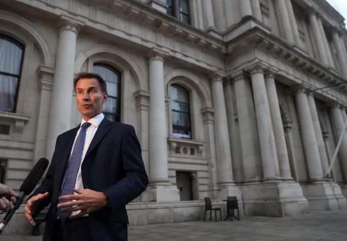 Ngoại trưởng Anh từ chức, trút lời cay đắng vào lá thư 2 trang - Ảnh 1.