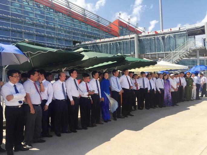 Hoàn tất bay kiểm tra hiệu chuẩn sân bay Vân Đồn - Ảnh 8.