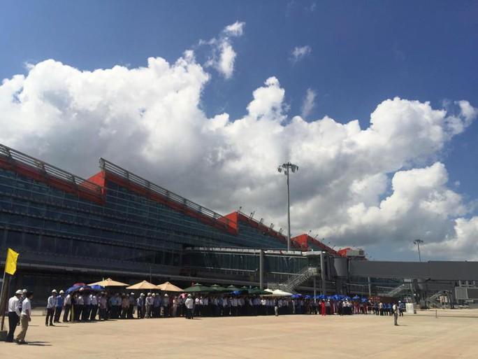 Hoàn tất bay kiểm tra hiệu chuẩn sân bay Vân Đồn - Ảnh 6.
