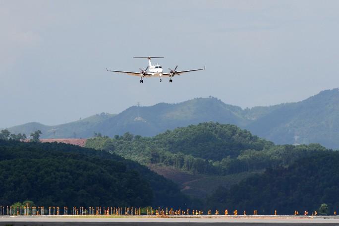 Hoàn tất bay kiểm tra hiệu chuẩn sân bay Vân Đồn - Ảnh 13.