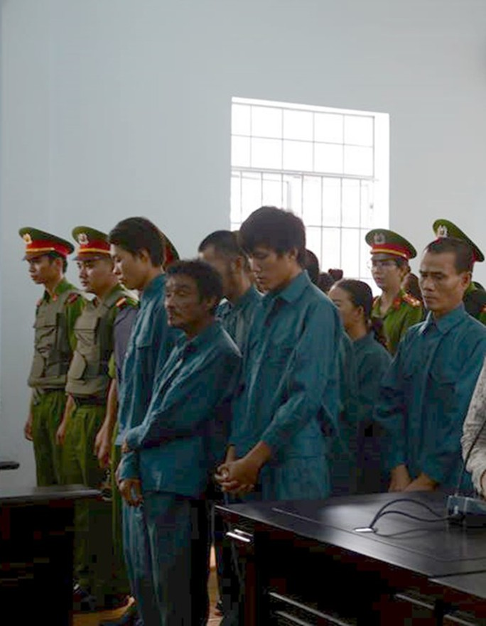 Bảy người quá khích trong vụ gây rối ở Bình Thuận bị phạt tù - Ảnh 1.