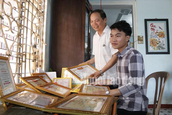 Thủ khoa THPT Quảng Nam muốn trở thành người có ảnh hưởng của xã hội - Ảnh 1.