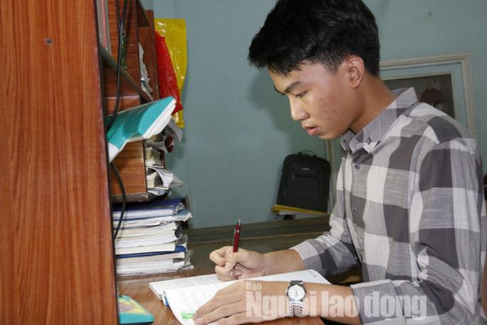 Thủ khoa THPT Quảng Nam muốn trở thành người có ảnh hưởng của xã hội - Ảnh 2.