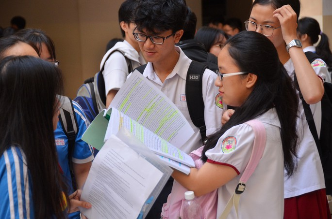 Trường ĐH Tài chính - Marketing công bố điếm sàn xét tuyển, điểm chuẩn học bạ - Ảnh 1.
