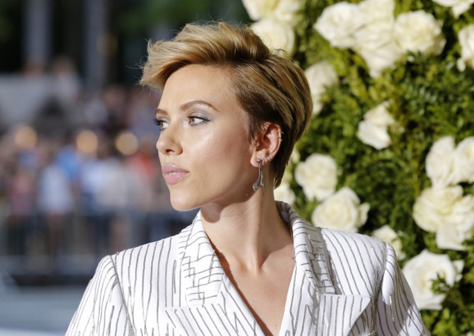 Scarlett Johansson bỏ vai vì cộng đồng LBGT phản ứng - Ảnh 1.