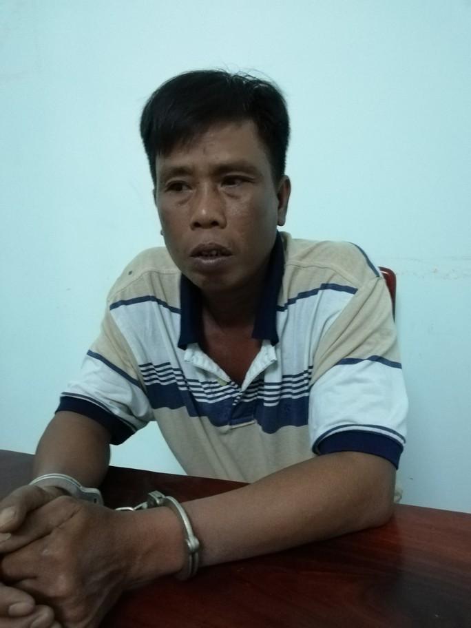 Dượng rể giao cấu làm cháu gái 16 tuổi sinh con rồi trốn lên Bình Phước - Ảnh 1.