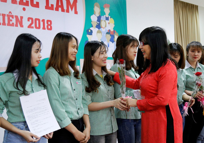 2.372 vị trí việc làm cho SV ĐH Đông Á ngay trước lễ tốt nghiệp - Ảnh 1.