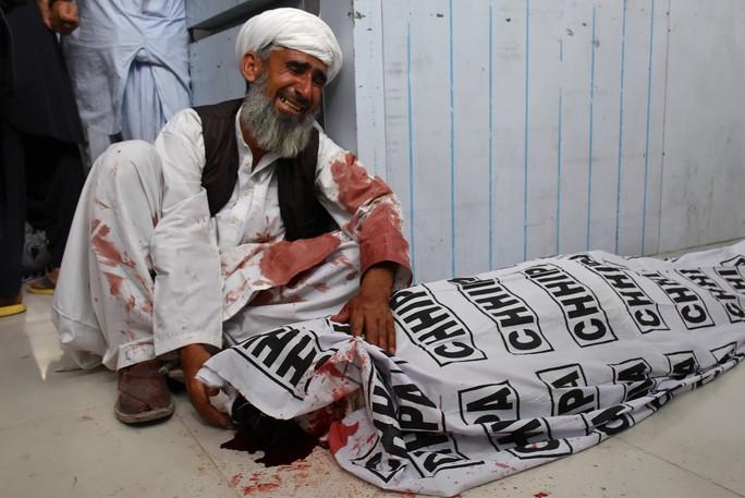 Pakistan: Đánh bom thảm khốc, 128 người chết  - Ảnh 1.