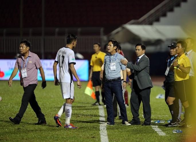 BHL SHB Đà Nẵng vào sân phản ứng trọng tài - Ảnh 7.