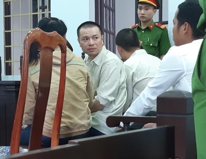 Vợ tử tù Đặng Văn Hiến bật khóc khi hay tin Chủ tịch nước chỉ đạo kiểm tra vụ án của chồng - Ảnh 1.