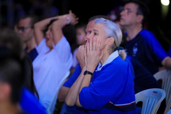 Pháp vô địch World Cup, CĐV Pháp tại TP HCM vỡ òa hạnh phúc - Ảnh 8.