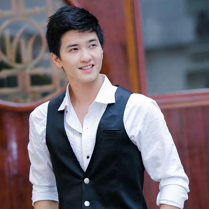 Huỳnh Anh cúi đầu xin lỗi Việt Hương - Ảnh 3.