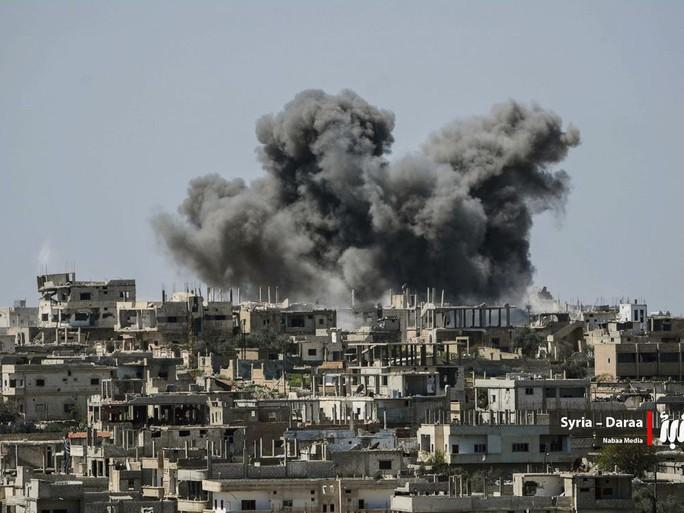 Syria phóng hàng trăm tên lửa gần nơi Israel đóng quân - Ảnh 1.