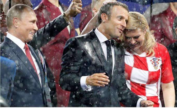 Nữ tổng thống Croatia đốn tim hàng triệu fan trên thế giới - Ảnh 5.
