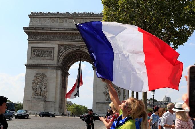Nước mắt hào hùng vùng Balkan khi Croatia thua Pháp - Ảnh 20.