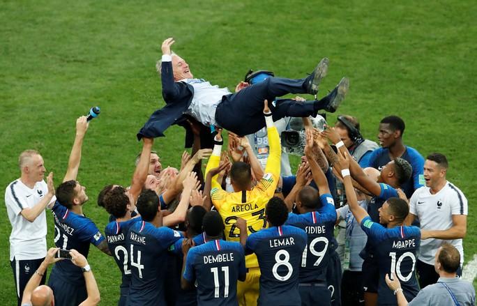 Nước mắt hào hùng vùng Balkan khi Croatia thua Pháp - Ảnh 15.