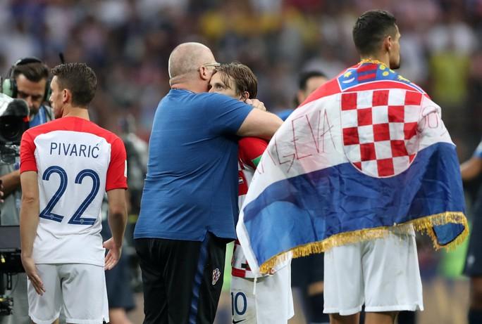 Nước mắt hào hùng vùng Balkan khi Croatia thua Pháp - Ảnh 2.