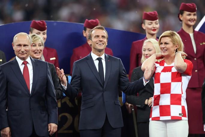 Xúc động cảnh Tổng thống Pháp an ủi 2 con Modric  - Ảnh 2.