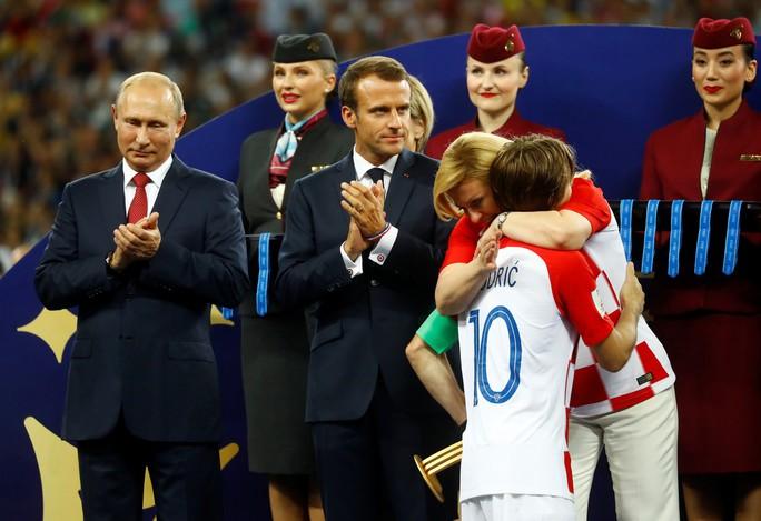 Nước mắt hào hùng vùng Balkan khi Croatia thua Pháp - Ảnh 9.
