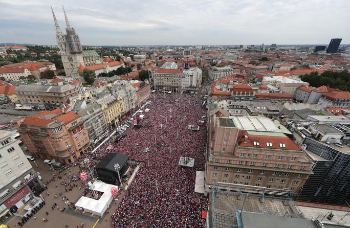 Croatia được chào đón như người hùng tại quê nhà - Ảnh 9.