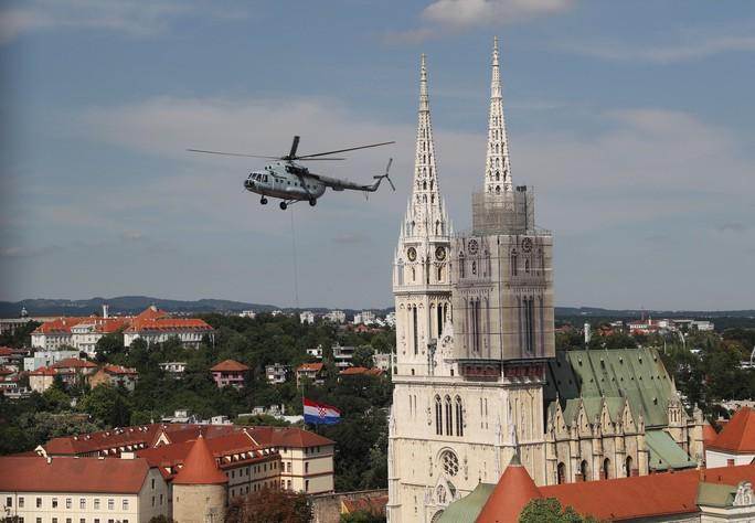 Croatia được chào đón như người hùng tại quê nhà - Ảnh 11.