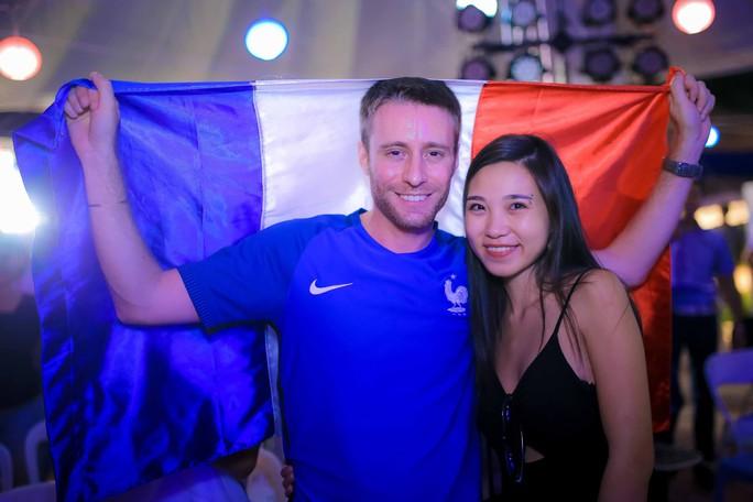 Pháp vô địch World Cup, CĐV Pháp tại TP HCM vỡ òa hạnh phúc - Ảnh 12.