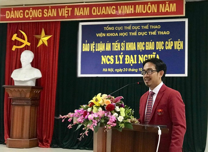 Việt Nam có tiến sĩ đầu tiên về quần vợt - Ảnh 2.