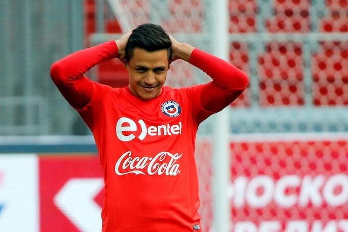 Vì án tù, Sanchez bỏ lỡ chuyến du đấu cùng M.U tại Mỹ - Ảnh 3.