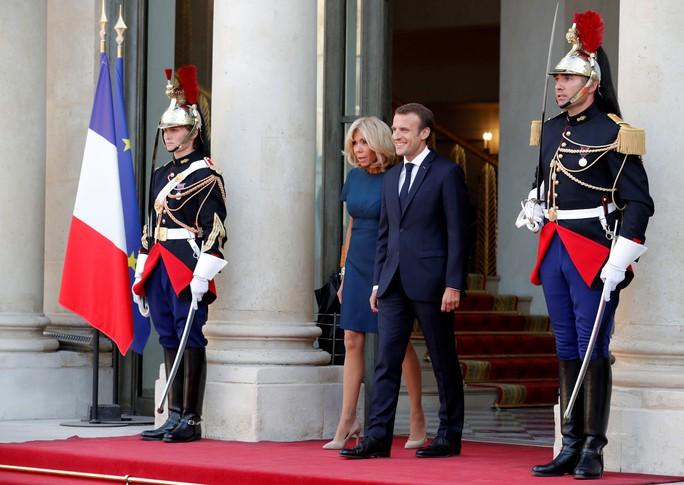 500.000 CĐV Paris xuống đường đón tuyển Pháp - Ảnh 34.