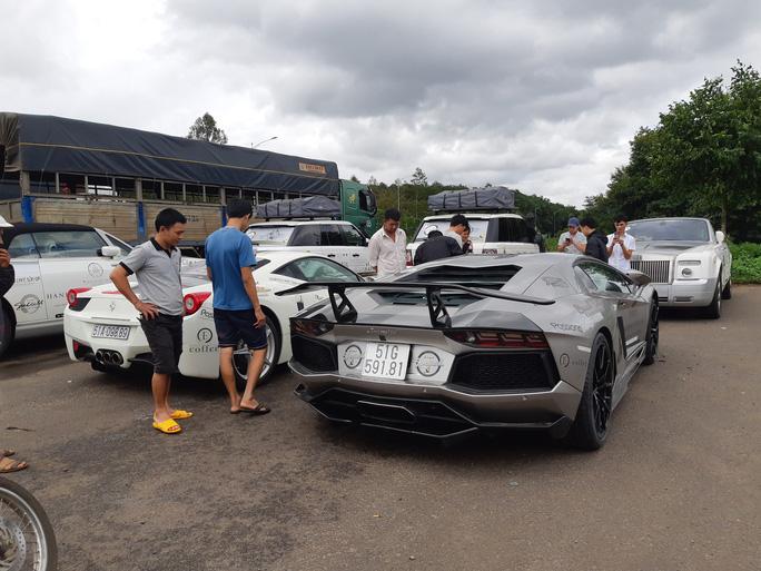 Choáng ngợp với dàn siêu xe TP HCM hội tụ phố núi - Ảnh 2.