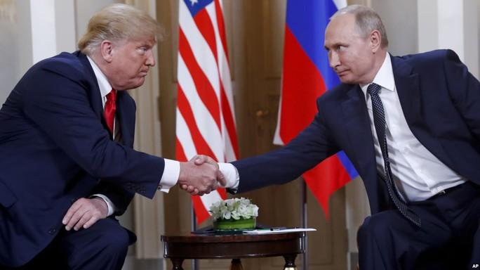 Giới chức Mỹ cạn lời với ông Trump sau cuộc gặp ông Putin - Ảnh 1.