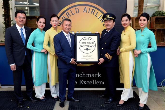 Vietnam Airlines năm thứ 3 liên tiếp nhận chứng chỉ 4 sao - Ảnh 1.