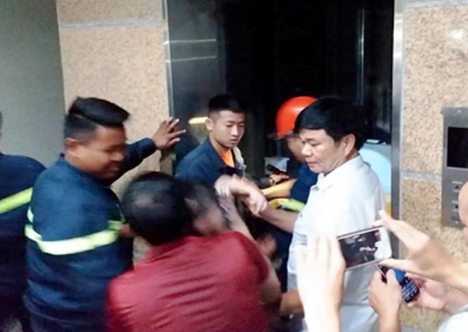 7 trẻ em mắc kẹt trong thang máy Thư viện tỉnh Thanh Hóa - Ảnh 2.