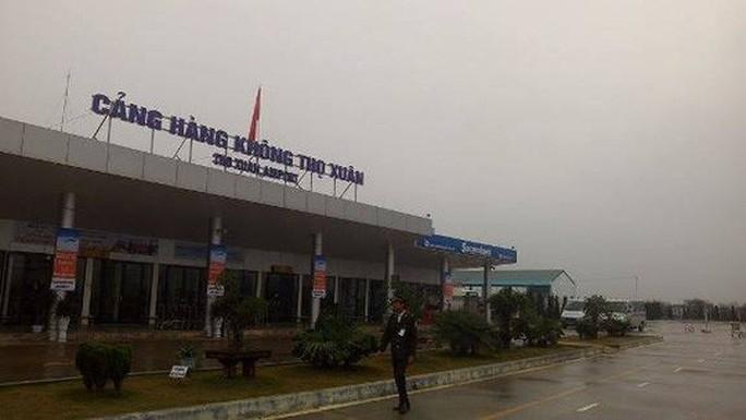 Đổi giờ nhiều chuyến bay để né bão Sơn Tinh - Ảnh 1.