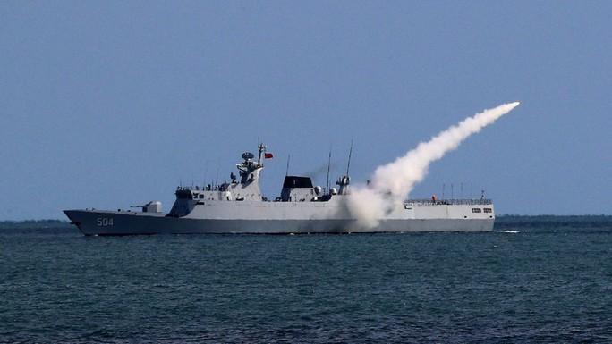 Trung Quốc tập trận răn đe Đài Loan, gửi cảnh báo đến Mỹ - Nhật - Ảnh 1.
