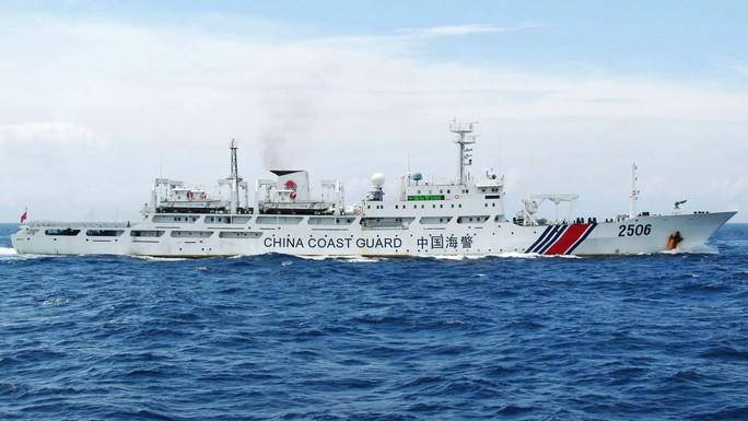 Nhật trấn áp tàu đánh bắt trái phép - Ảnh 1.