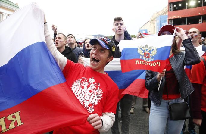 Nước Nga không ngủ sau chiến thắng trước Tây Ban Nha - Ảnh 1.