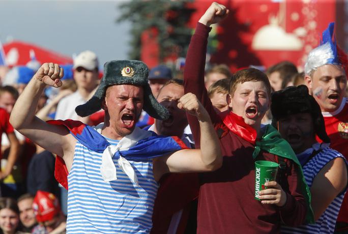 Nước Nga không ngủ sau chiến thắng trước Tây Ban Nha - Ảnh 5.