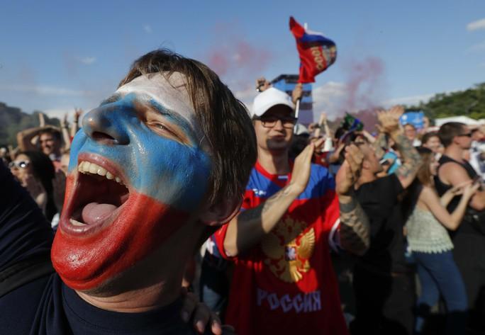 Nước Nga không ngủ sau chiến thắng trước Tây Ban Nha - Ảnh 6.