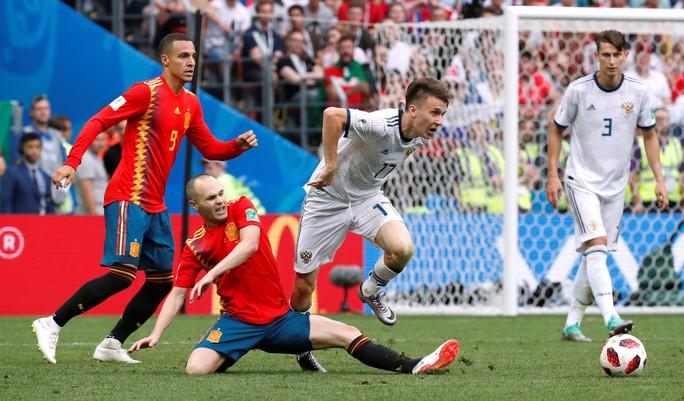Tây Ban Nha bị Nga loại: Dứt điểm kém, ngay cả trên chấm 11 m - Ảnh 4.