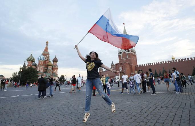 Nước Nga không ngủ sau chiến thắng trước Tây Ban Nha - Ảnh 8.