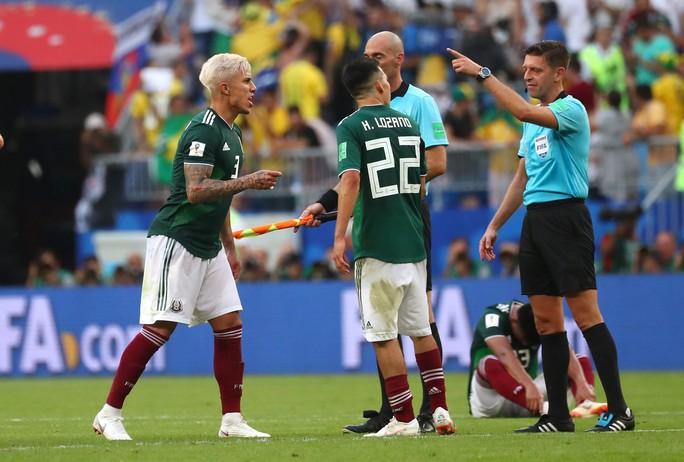 Brazil - Mexico 2-0: CĐV 2 đội đều khóc - Ảnh 10.