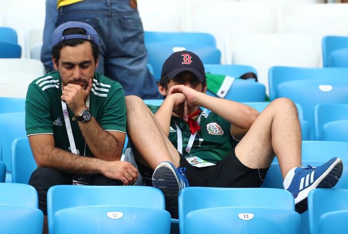 Brazil - Mexico 2-0: CĐV 2 đội đều khóc - Ảnh 3.